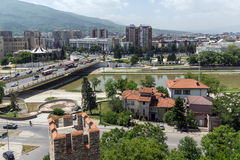 Panorama à cidade de Skopje da fortaleza na cidade velha, república da couve da fortaleza de Foto de Stock
