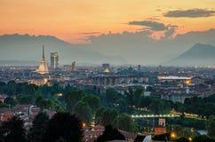 Panorama élevé de définition de Turin (Torino) avec l'horizon complet de ville Images stock