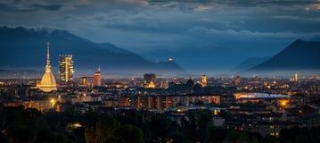 Panorama élevé de définition de Turin (Torino) avec tout l'horizon de ville Photos stock