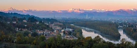 Panorama élevé de définition de Turin (Torino) sur l'horizon de ville Photographie stock libre de droits