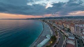 Panorama über Nizza Stadt und Mittelmeerluft- Tag zum Nacht-timelapse stock video footage