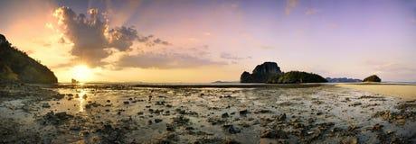 Panorama 1 della spiaggia di Krabi Fotografie Stock Libere da Diritti