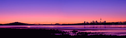 Panorama 2 di alba della città di Auckland Fotografia Stock Libera da Diritti