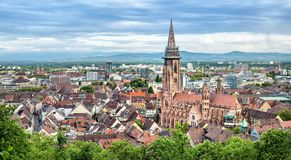 Panorama aéreo de Friburgo, Alemania Fotografía de archivo libre de regalías