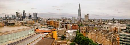 Panorama aéreo de la orilla de Londres y del horizonte de la ciudad Imagenes de archivo