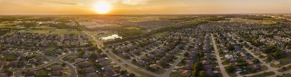 Panorama aéreo del desarrollo previsto y vecindades en Okla imagen de archivo