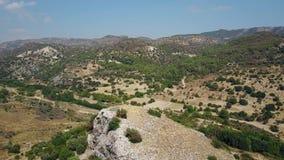 Panorama aéreo hermoso de las montañas almacen de video