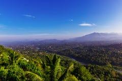 Panorama aérien brumeux de Kandy image libre de droits