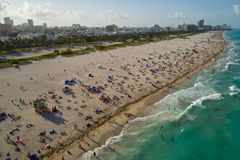 Panorama aérien de week-end de Jour du Souvenir de Miami Beach Photographie stock libre de droits