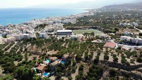 Panorama aérien sur le bord de la mer méditerranéen de Hersonissos, Crète clips vidéos