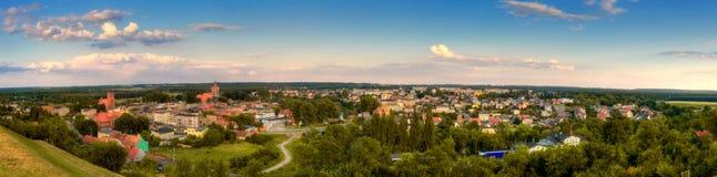Panorama aan de kleine stad Stock Afbeeldingen