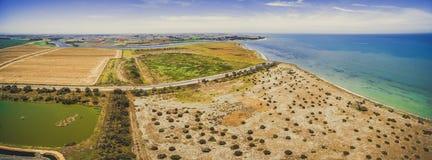Panorama aereo della linea costiera di Phillip Bay del porto Fotografia Stock Libera da Diritti