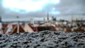 Panorama aereo di vecchia città con il municipio e la collina di Toompea immagine stock libera da diritti