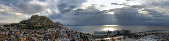 panorama- alicante gryning Arkivfoto