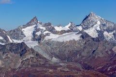Panorama alle alpi svizzere dal paradiso del ghiacciaio del Cervino alle alpi Immagine Stock Libera da Diritti