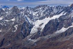 Panorama alle alpi svizzere dal paradiso del ghiacciaio del Cervino alle alpi Fotografie Stock Libere da Diritti