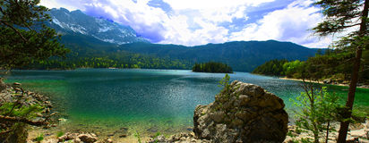 Panorama Allemagne d'Eibsee Image stock
