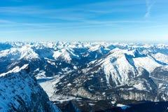 Panorama alpestre de l'hiver Photographie stock