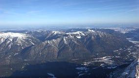 Panorama alpino dallo Zugspitze stock footage