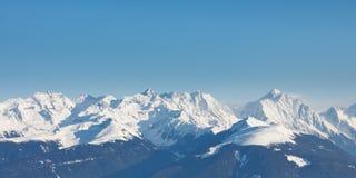 Panorama alpino dei picchi di montagna Fotografia Stock Libera da Diritti