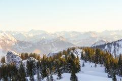 Panorama alpino di Snowy Fotografie Stock