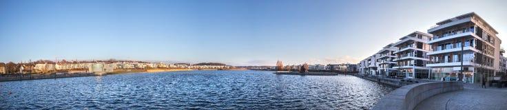 Panorama alto da definição do lago do phoenixsee de Dortmund Alemanha foto de stock royalty free