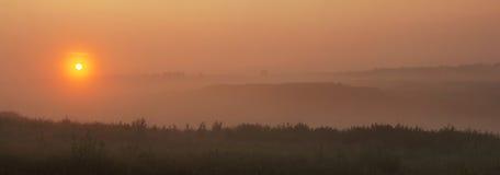 Panorama amplio de la salida del sol Fotografía de archivo