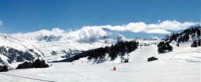Panorama andorrano della montagna immagini stock libere da diritti