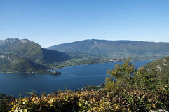 Panorama of Annecy lake at autumn Royalty Free Stock Photography