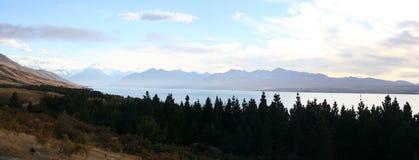 Panorama - ao longo da estrada ao cozinheiro do Mt, Nova Zelândia imagens de stock