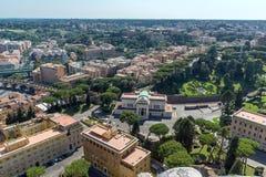 Panorama ao Vaticano e à cidade de Roma da abóbada da basílica do ` s de St Peter, Itália Fotografia de Stock Royalty Free
