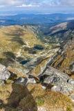 Panorama asombroso de los lagos Malyovishki del pico de Malyovitsa, montaña de Rila Imagen de archivo libre de regalías