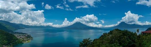 Panorama atitlan del lago Immagini Stock Libere da Diritti