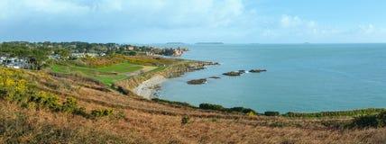 Panorama atlántico de la primavera de la costa Imágenes de archivo libres de regalías
