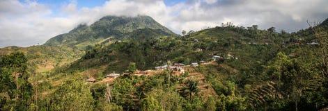 Panorama auf der schönen und luxuriösen Landschaft um ruteng Nusa Tenggara, Flores-Insel, Indonesien lizenzfreie stockfotografie