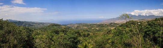 Panorama auf schöner Bucht nahe moni, Nusa Tenggara, Flores-Insel, Indonesien stockbild