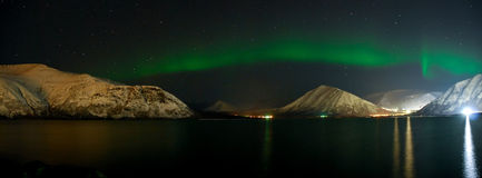 Panorama of Aurora polaris above  a lake Royalty Free Stock Photography