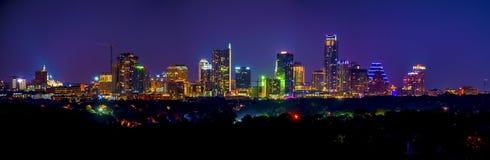 Panorama- Austin Skyline Cityscape Night Long exponering Arkivbilder