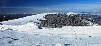 Panorama austriaco delle alpi di inverno dalla collina di Pretulalpe in Fischbacher Alpen in Stiria Fotografia Stock Libera da Diritti