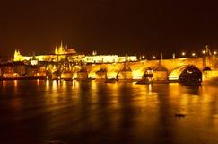 Panorama av aftonen Prague för republiktown för cesky tjeckisk krumlov medeltida gammal sikt Arkivfoton
