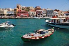Panorama av Aghios Nikolaos i Crete, Grekland. Fotografering för Bildbyråer