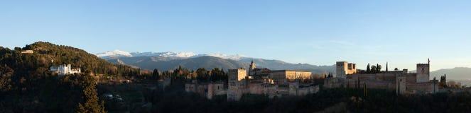 Panorama av Alhambra Palace i Granada, Andalusia, Spanien Royaltyfri Foto