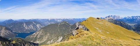 Panorama av alpsna Royaltyfri Foto