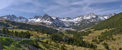 Panorama av andorranska Pyrenees på Grau Roig royaltyfri bild