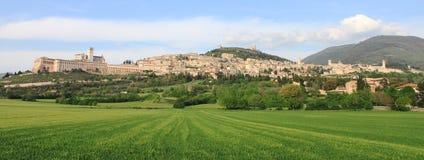 Panorama av Assisi arkivfoton