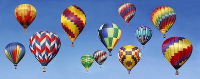 Panorama av ballonger för varm luft Arkivfoto