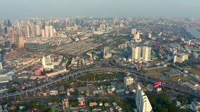 Panorama av Bangkok i en sommarafton