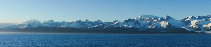 Panorama av berg i Alaska, Förenta staterna Arkivbild