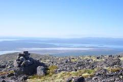 Panorama av berg och sjöar av Kola Peninsula Royaltyfri Bild