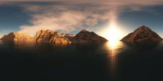 Panorama av bergsjön på solnedgången arkivfoton